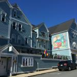 Photo de Lunenburg Arms Hotel