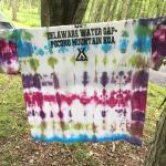 an activity- tie dye! Buy shirts there and then dye them