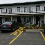 A front picture of the motel