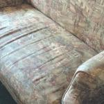 disgusting loveseat so ratty and dirty looking