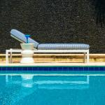 Outdoor Pool Lounger