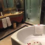 Bathroom - fresh rose petals daily