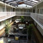 Inn off Capitol Park - covered courtyard