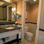 Yacht Club room bathroom
