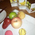 Welcome fruit in room with very sweet macaroons