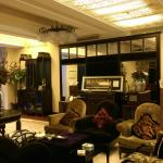 The White House Hotel Guilin resmi