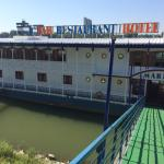 Photo de Botel Marina