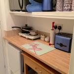 Captain's Cabin kitchen - everything you need!