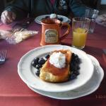 French Toast with Rasberry Sause