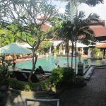 Photo de Bakungs Beach Hotel