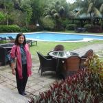 pool side...so relaxing and feel the coolness of Tagaytay