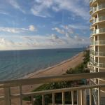 Doubletree by Hilton Ocean Point Resort & Spa - North Miami Beach resmi