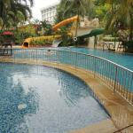 the kids pool with water slides