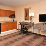 Foto de Holiday Inn Express Hotel & Suites Elk Grove East