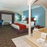 Foto de Holiday Inn Express Hotel & Suites Lake Charles