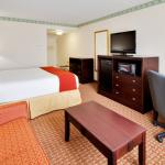 Photo de Holiday Inn Express Hotel & Suites Easton