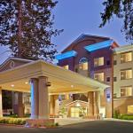 Photo de Holiday Inn Express Hotel & Suites Lacey