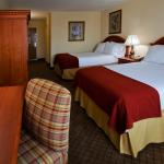 Photo de Holiday Inn Express Hotel & Suites Arcadia