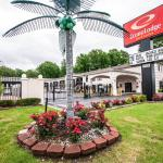Econo Lodge Inn & Suites Memphis