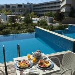 Private Pool and Breakfast On The Terrace