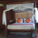 Four poster bed in Villa room