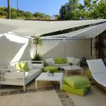 Lounge area 1 of
