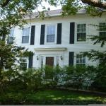 1830 Hallauer House Bed & Breakfast