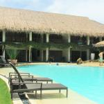 Bluewater Maribago Beach Resort Foto