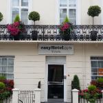 Photo de easyHotel London Victoria
