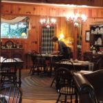 Photo de Colonial Pines Inn Bed and Breakfast