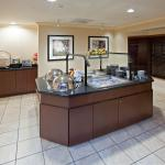 Photo de Staybridge Suites Indianapolis-Airport