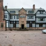 View of Inglewood Manor l from the Car Park/Entrance