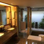 Lanai room bathroom
