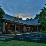 Prana Pool Lounge / Restaurant