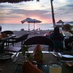 Restaurante The Breeze, vista al mar.