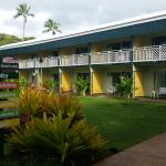 Photo de Kauai Shores, an Aqua Hotel