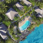 Swimming pool and bungalows location