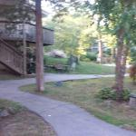 Lovely park like setting in the woods yet right off I95. Nice free bbq and drinks in courtyard w