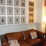 seating room...