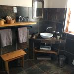 Karoo View Cottages bathroom