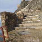 Steps down to the water (several heights of platform available to jump)