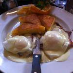 Eggs benedict with polenta instead of English muffin