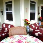 Hilo Bay Hale Bed and Breakfast Front Porch