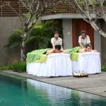 massage at side of pool
