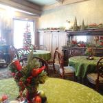 The dining room, at breakfast.