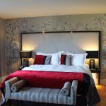 King-Size Bed in Executive Suite
