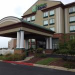 Holiday Inn Express Ocean City front fiew