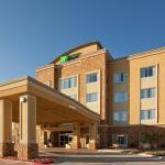 Photo de Holiday Inn Express Hotel & Suites Buda