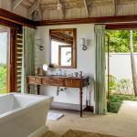 Hummingbird House bathroom