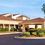 Courtyard By Marriott Greensboro